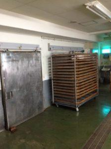 干物製造の冷風乾燥機